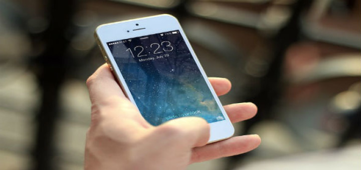 Is-it-worthy-to-buy-an-iPhone-and-other-expensive-gadgets?